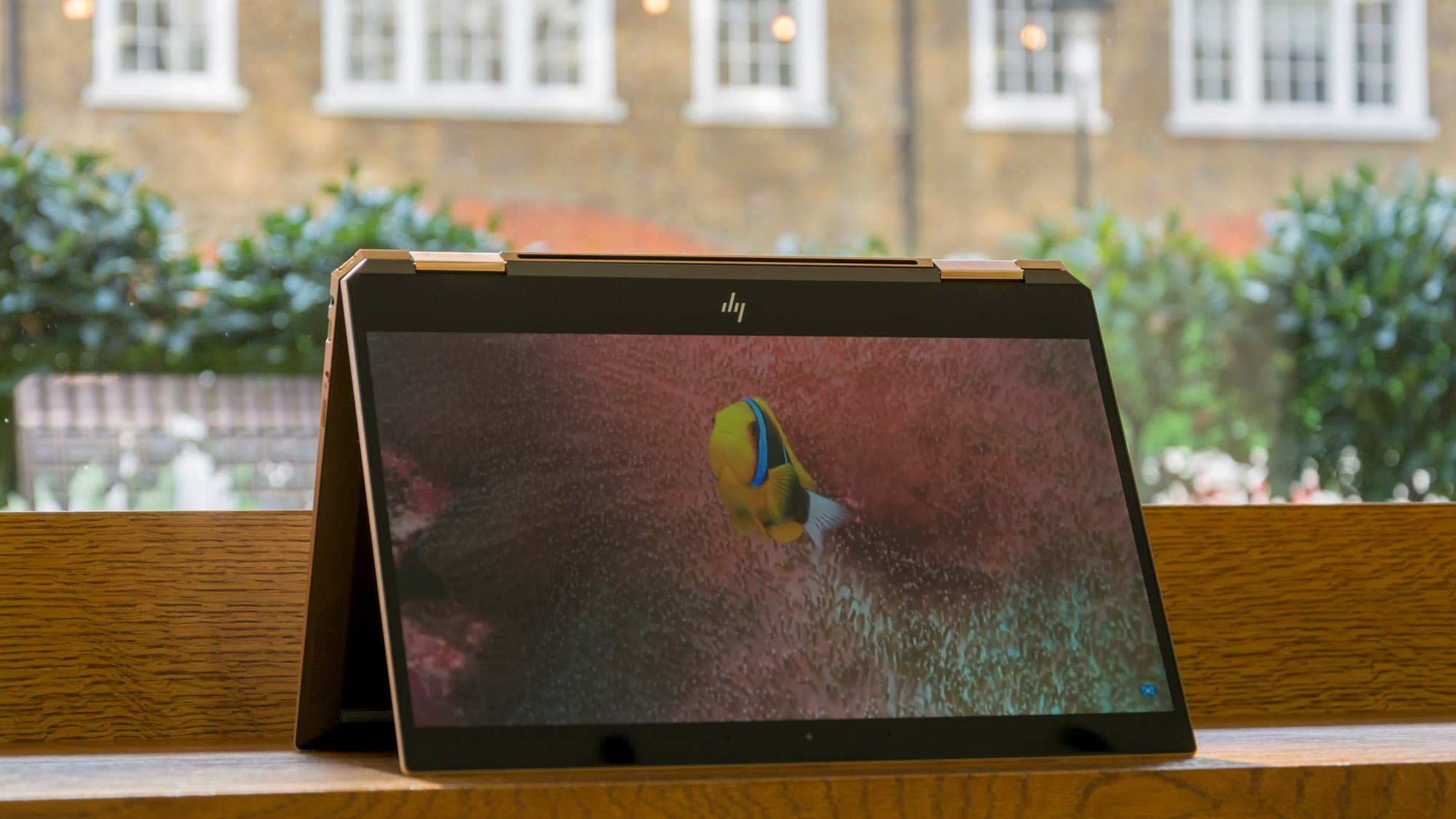 hp 2 in 1 review