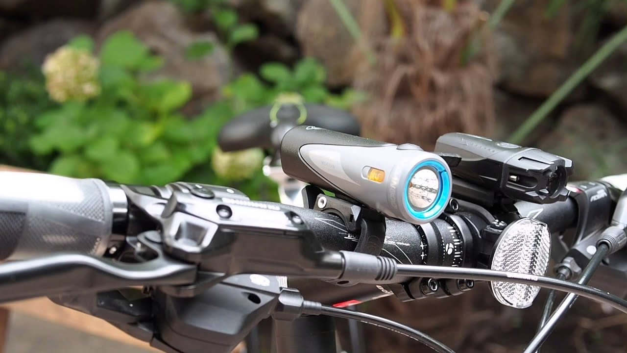 light and motion 800 review